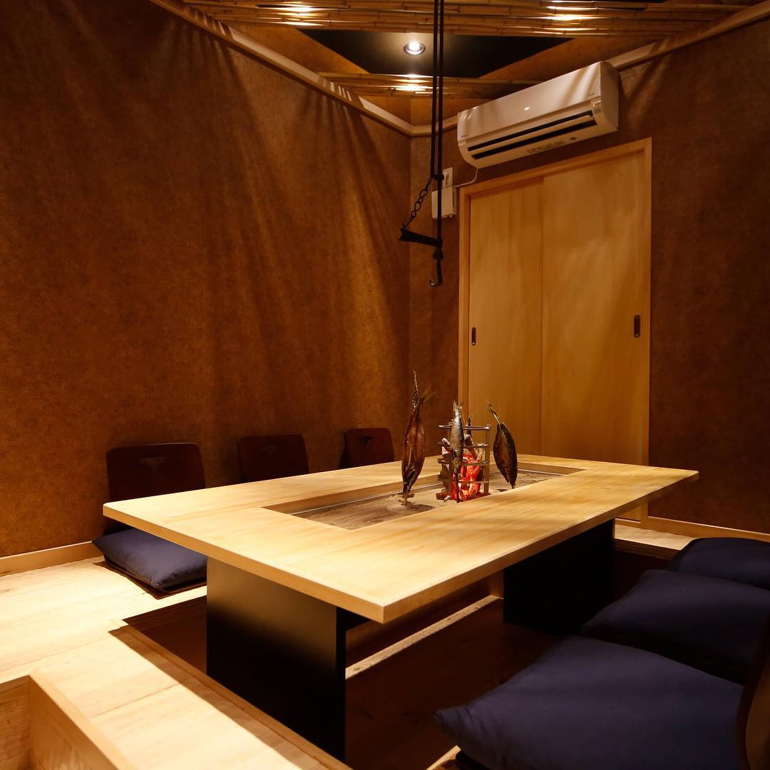 2F Private room with table on a tatami and open floor